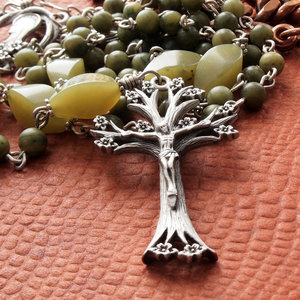 Jade Catholic Rosary: Pewter Tree of Life Crucifix & Madonna Center